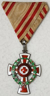 Austrian Order of Merit of the Red Cross (1914), front.jpg
