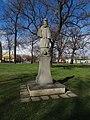 Březiněves, park, socha sv. Jana Nepomuckého, zezadu.jpg