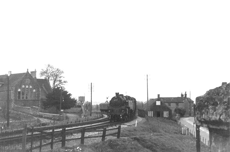 File:BR 4MT 2-6-4T 80081 Templecombe S&D 1965 (10280276085).jpg