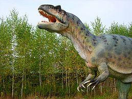 Model rodu Allosaurus v polském Bałtowie