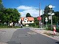 Bad König-Zell- Bahnübergang der Straße An der Alten Schule- Richtung Ost (Weiten-Gesäß) 24.7.2008.jpg