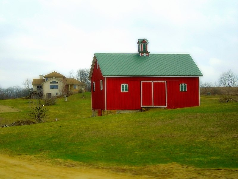 File:Barn near Mt. Horeb - panoramio.jpg