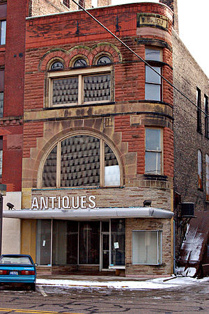 Bay City MI - antiques store