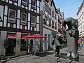 Bear statues and old buildings at Bernkastel kues - panoramio.jpg