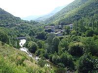 Bez-et-Esparon, l'Arre et le hameau de Lasfons.JPG