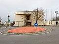 Bezirksgericht Gänserndorf mit Kreisverkehr.jpg