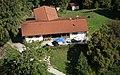 Biergarten auf der Campinginsel Buchau am Staffelsee - panoramio.jpg