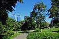 Blick auf die beiden Türme des Warner Centers vom Central Park - panoramio.jpg