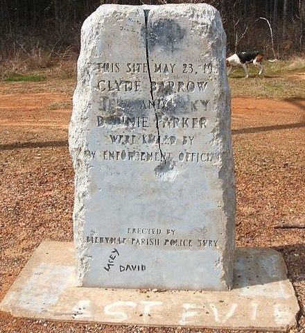 Souvenir hunters have ravaged several memorial stones at the rural ambush site. 32deg26'28''N 93deg5'33''W / 32.44111degN 93.09250degW / 32.44111; -93.09250 (Site of Bonnie Parker and Clyde Barrow Ambush Monuments) Bonnie and clyde.JPG