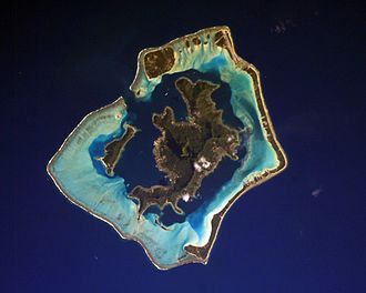 Bora Bora - Bora Bora and its lagoon seen from the International Space Station