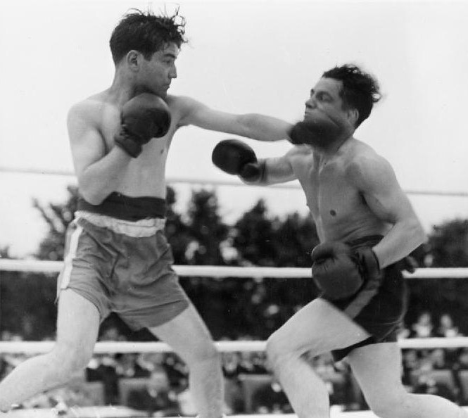 Boxing Tournament in Aid of King George's Fund For Sailors at the Royal Naval Air Station, Henstridge, Somerset, July 1945 A29806