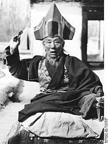 Bundesarchiv Bild 135-KA-08-008, Tibetexpedition, Fürst von Gautsa.jpg