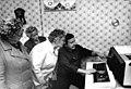 Bundesarchiv Bild 183-1986-0908-002, Redefin, Besichtigung der LPG.jpg