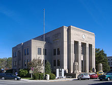 Caldwell County Courthouse KY-retouched.jpg