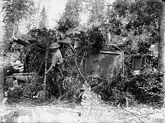 Gloucestershire Volunteer Artillery - Camouflaged RFA 18-pounder in Italy, 1918.