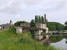 The junction, in the hamlet of Buges, between the Loing Canal, Briare canal and the Orleans Canal