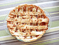 Caramel apple pie from above (3962365746).jpg