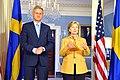 Carl Bildt and Hillary Clinton.jpg