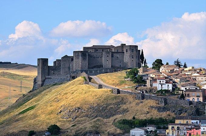 Castello Federiciano.jpg