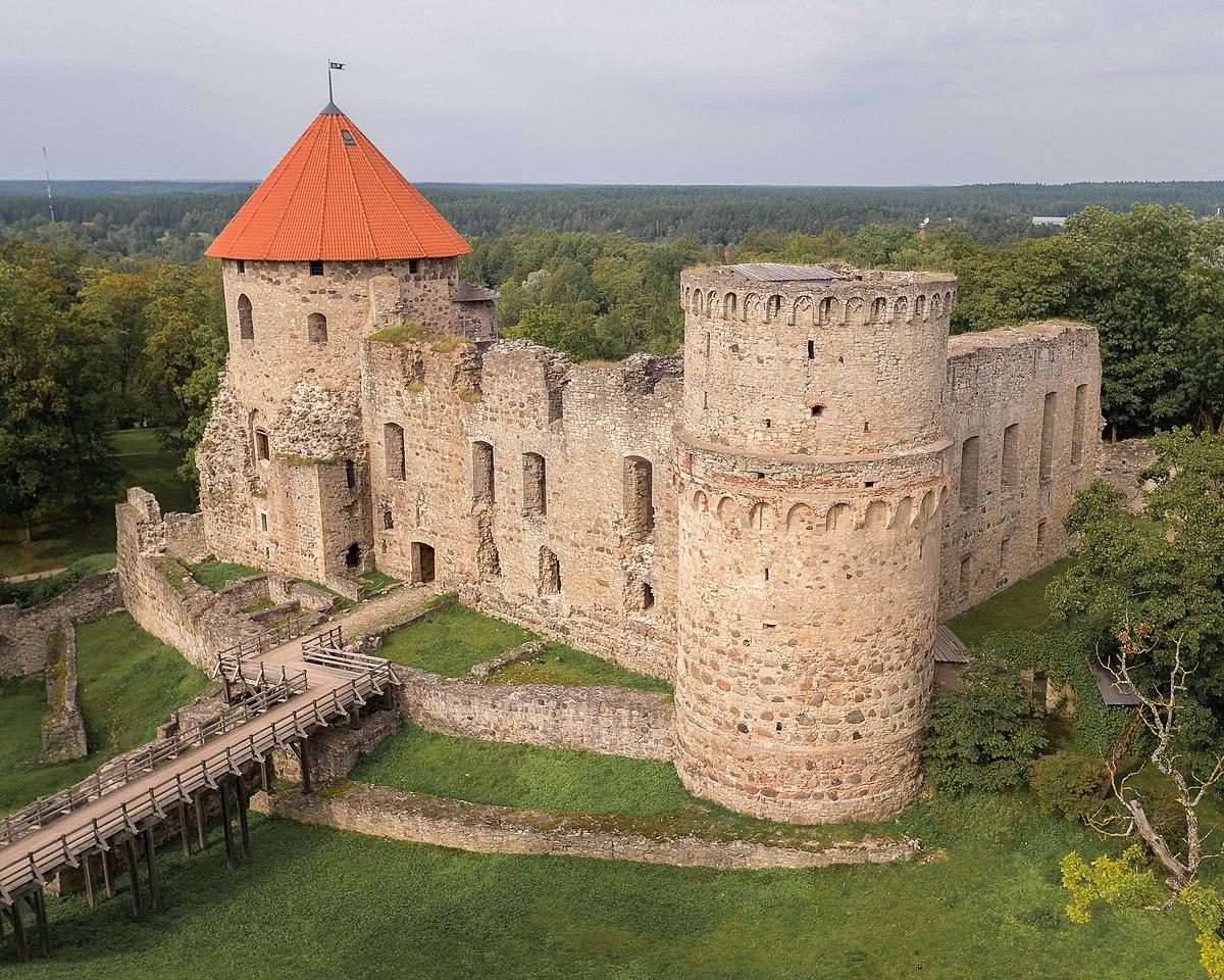 Cēsis Castle - Wikipedia