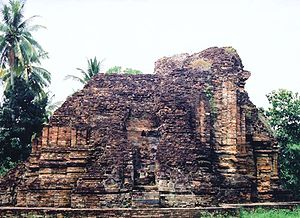 Chaiya District - Ruin of the Srivijayan Wat Kaew stupa