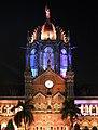 Chhatrapati shivaji terminus, esterno di notte 10.jpg