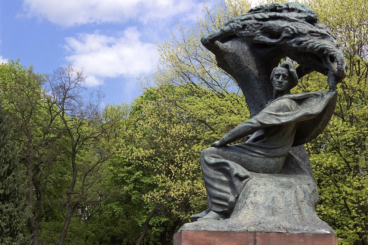 1280px-Chopin_monument_-_panoramio.jpg