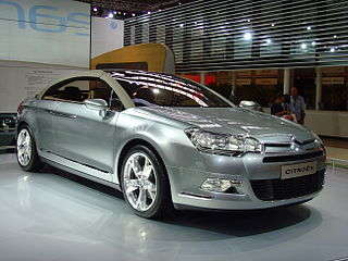 http://upload.wikimedia.org/wikipedia/commons/thumb/2/2a/Citroen_C5_Airscape_-_IAA_2007_-_002.jpg/320px-Citroen_C5_Airscape_-_IAA_2007_-_002.jpg