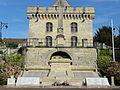 Clermont (60), hôtel de la ville et monument aux morts.JPG