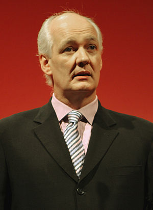 Drew Live - Improvisational comedian Colin Mochrie reprised his role as Eugene during the episode.