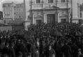 Comício de protesto, junto à igreja dos Anjos, contra a expulsão das chinesas (Joshua Benoliel, 1911).png