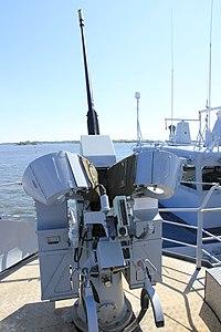 Commandant Blaison 20 mm F2 starboard 1.JPG