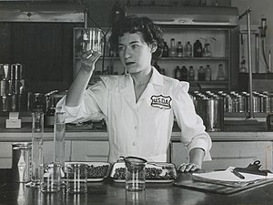 United States Department of Agriculture - A nutrition researcher considers canned peas