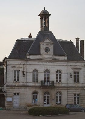 Coulanges-mairie2.JPG