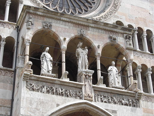 Cremona-dome-facade-statues-by-Franck Fleschner