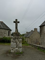 The cross of Saint-Guéhen, in Saint-Carreuc