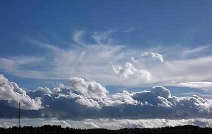 Cumulus and cirrostratus over Gåseberg.jpg