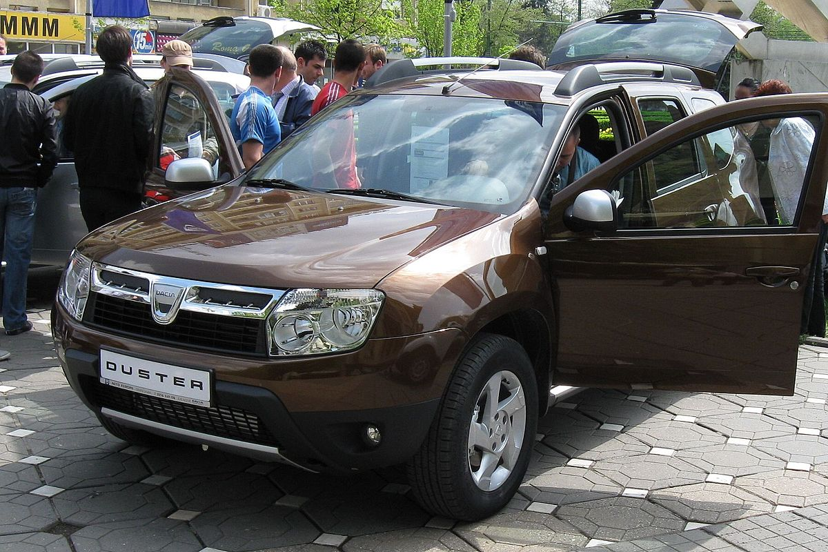 Dacia duster wikipedia for Interni dacia duster laureate