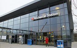 December 2015 Rochester railway station 9499.JPG