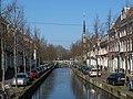 Delft, straatzicht de Oude Delft vanaf de Bagijnhofbrug foto6- 2016-03-13 12.08.JPG