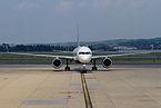 Delta - B752 - N649DL at DCA - 2012-07-16.jpg