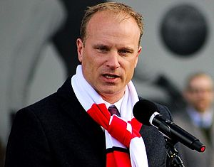 Dennis Bergkamp - Bergkamp at the unveiling of his statue at the Emirates Stadium on 22 February 2014