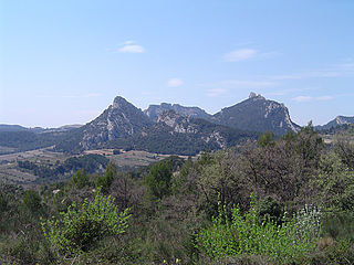 Dentelles de Montmirail mountain range