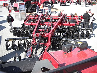 Disc harrow - Disc harrow as part of a chisel plow by Case IH