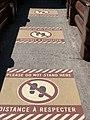 Dispostif pour distances barrières à Disneyland Paris en juillet 2020 (2).jpg