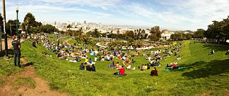 Dolores Park, San Francisco 2013-04-13 14-48.jpg
