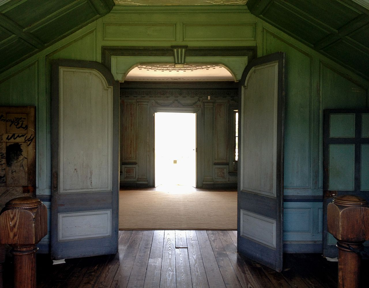 File double doors just inside back door at drayton hall for Double opening front doors