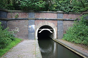 Dudley Tunnel - Image: Dudley Canal Tunnel Southern Portal