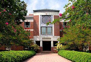 Earl Gregg Swem Library - Image: EG Swem Library
