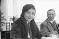 ETH-BIB-Frau und Mann am Tisch-Nordafrikaflug 1932-LBS MH02-13-0473.tif